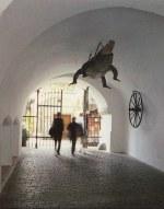 Trutnovský drak v pruchodu brnenské radnice